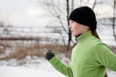 photodune-4136545-woman-running-in-winter-xs